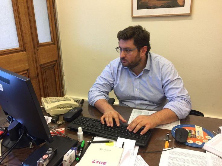 Αυστηρό μήνυμα με πολλούς αποδέκτες στέλνει μέσω του the caller ο διευθυντής της Κ.Ο. του ΣΥΡΙΖΑ Κώστας Ζαχαριάδης. Το στέλεχος του ΣΥΡΙΖΑ δεν κρύβει τις δυσκολίες της διαπραγμάτευσης που βρίσκεται…