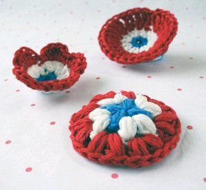 National Day Crochet Brooch | AllFreeCrochet.com