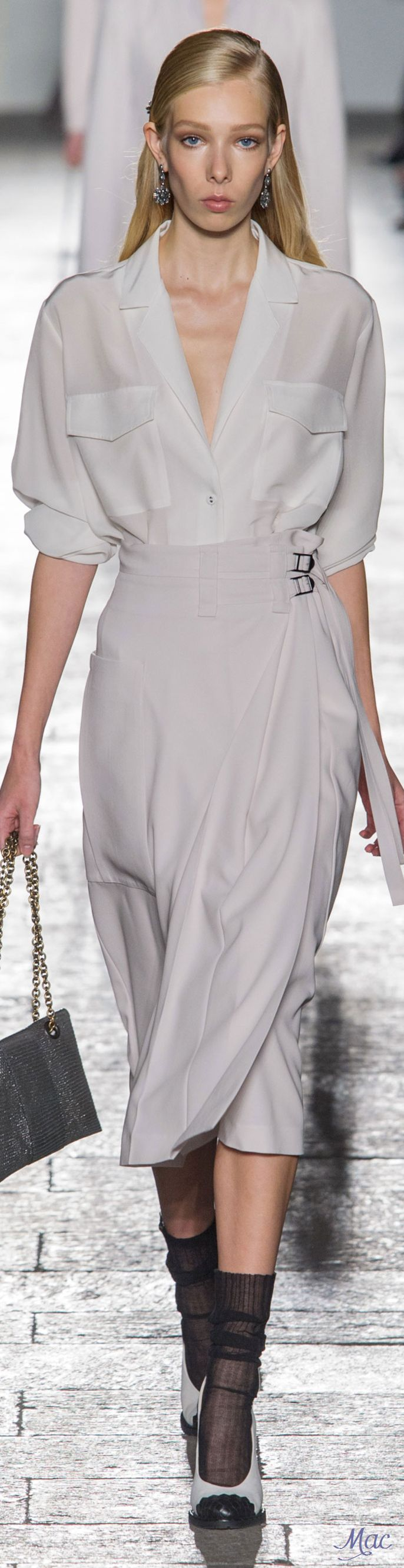 Spring 2017 Ready-to-Wear Bottega Veneta                                                                                                                                                                                 Más