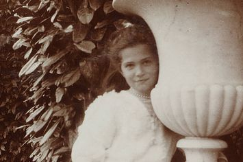 15 Haunting Photos Of The Romanov Family