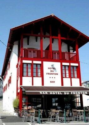 Hotel du Fronton.com mooi hotel gelegen in het plaatsje Bidart vlakbij Biarritz.