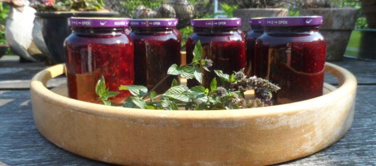 Jam maken; waardevolle knutsel minuutjes in de keuken | Lekker Tafelen