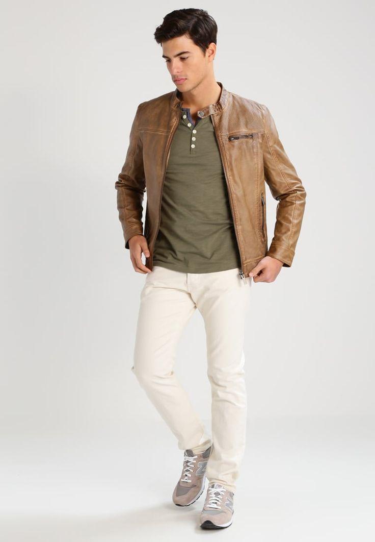 ¡Consigue este tipo de chaqueta de cuero de BONOBO Jeans ahora! Haz clic para ver los detalles. Envíos gratis a toda España. BONOBO Jeans Chaqueta de cuero sintético marron glace: BONOBO Jeans Chaqueta de cuero sintético marron glace Ropa     Material exterior: 100% poliéster   Ropa ¡Haz tu pedido   y disfruta de gastos de enví-o gratuitos! (chaqueta de cuero, leather, suede, suedette, faux leather, polipiel, biker, ante, de cuero, lederjacke, chaqueta de cuero, veste en cuir, giacca ...