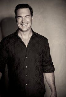 Patrick Warburton is one of my all time favorite actors...but when you have a voice like his...how can you go wrong? <3 Kronk!