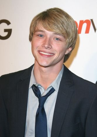 sterling knight magazine  | Sterling Knight - Photo 137366 / Coolspotters