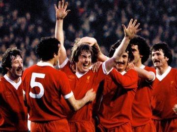 Kenny Danglish and Liverpool teamate celebrated. YNWA