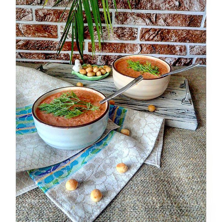 ▶ #гаспачо: помидоры,  огурцы, сладкий перец, красный лук, чеснок, оливковое масло, вода или томатный сок, соль, укроп  Не сыроедам можно подать с крутонами #сыроедение #сыроедныерецепты #вегетарианскиерецепты #веганскаяеда #веганскиерецепты #веганство #raw #rawlara #rawfood #vegan #veg #vegetarian #vegetarianrecipes
