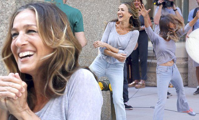 Sarah Jessica Parker goofing around filming comedy game show