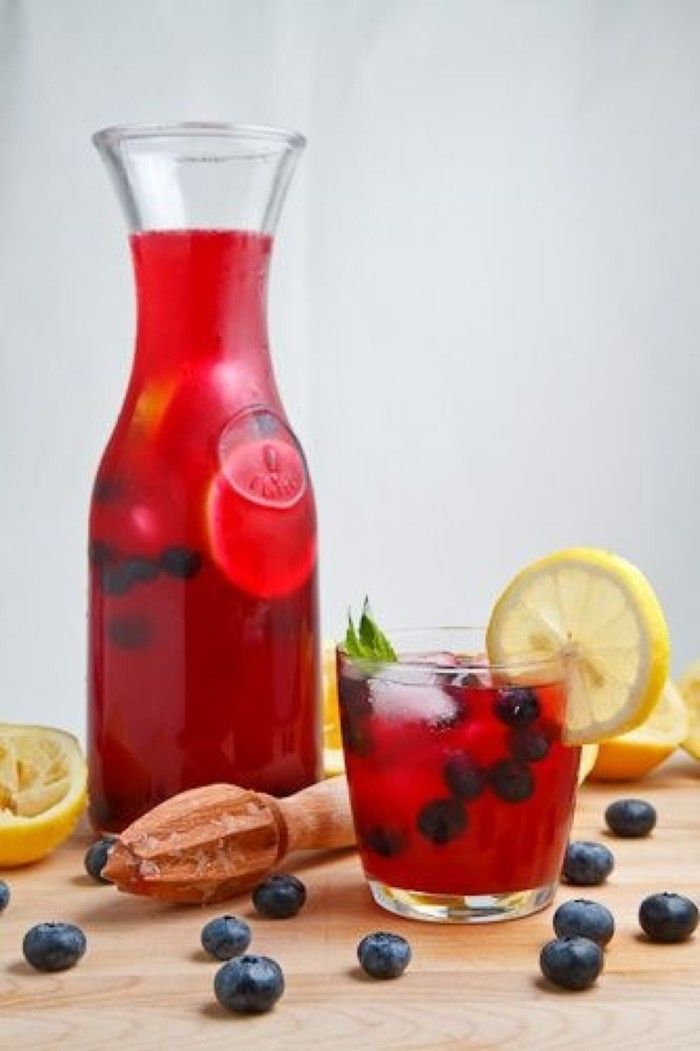 Grandes caseras de arándanos bebida hielo limonada # [] Ingredientes: jugo de arándano, jugo de limón, el agua, el hielo