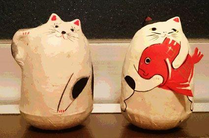 岩手県の六原張り子の【起き上がり小法師】の猫