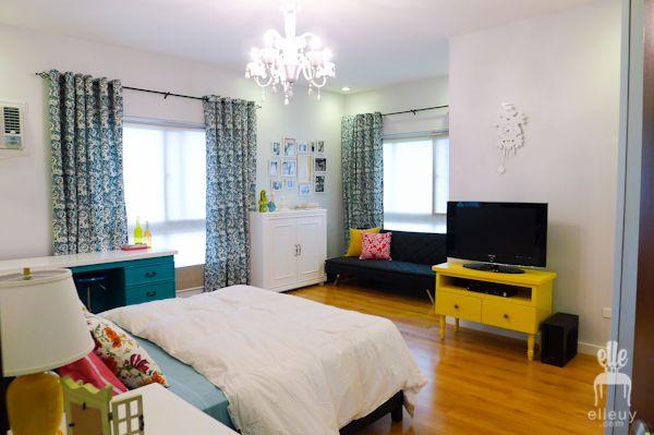 teal bedroom, turquoise bedroom, teen bedroom, girls bedroom, teal table, pattern curtains, gallery walls, frame gallery