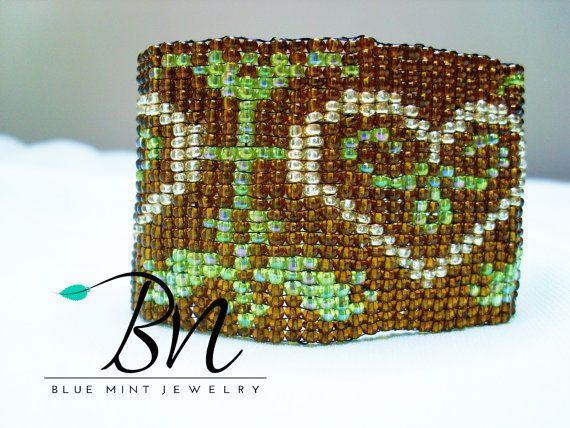 Loveheart beaded bracelet2mm glass by LoretaBlueMint on Etsy