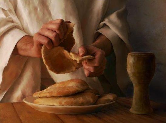Le Jeudi-Saint, Jésus prend son dernier repas avec les douze apôtres. Au cours de ce Repas, en prenant le pain et le vin, il rend grâce et offre son corps et son sang pour le salut des hommes. En ce jour de l'Institution de l'Eucharistie, nous pouvons...