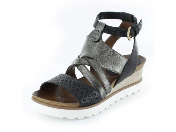 mjus damen sandalette mit wei er sohle aus glattleder in schwarz luftig leicht sandaletten. Black Bedroom Furniture Sets. Home Design Ideas