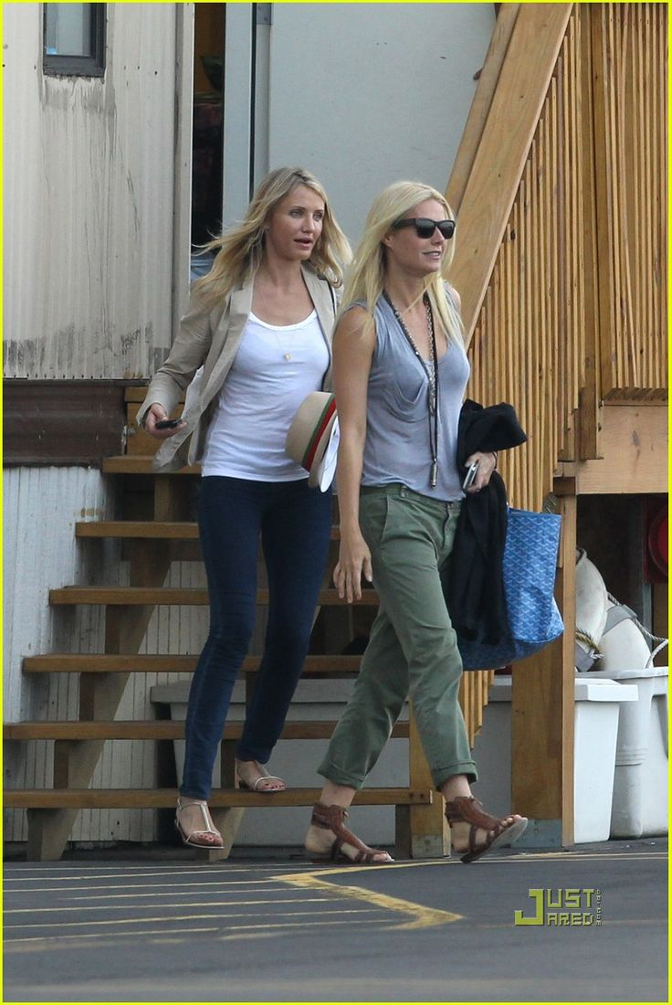 Gwyneth Paltrow: Helicopter Ride with Cameron Diaz & A-Rod! | gwyneth paltrow helicopter cameron diaz alex rodriguez 08 - Photo