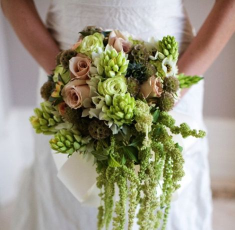 A unique bouquet for unique brides