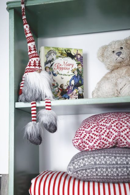 Minty christmas in kids room