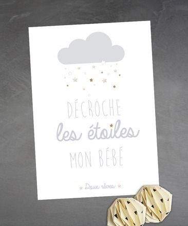 """Affiche chambre d'enfant """"Décroche les étoiles mon bébé"""" - doux rêves Illustration d'un nuages et d'étoiles dorées. Tons gris clair et doré, des tons doux sur fond blanc. - 14691703"""