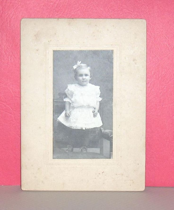 Vintage Photo Little Girl Ferguson Studio, Toronto,  Markham  Canada