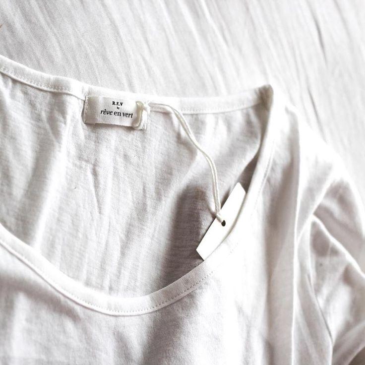 REV organic pima cotton basics, here the Linda tee in white.