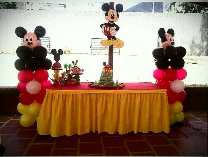 Decoracion mickey | Decoración con globos | Pinterest