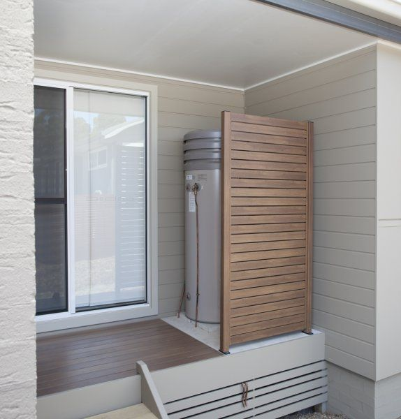 "DecoWood ""Kwila"" Screen and DecoDeck - http://www.decorativeimaging.com.au/index.php?option=com_rsgallery2&page=inline&id=104&Itemid=53 #timber #panel #timberscreen #aluminiumscreen #privacyscreen"