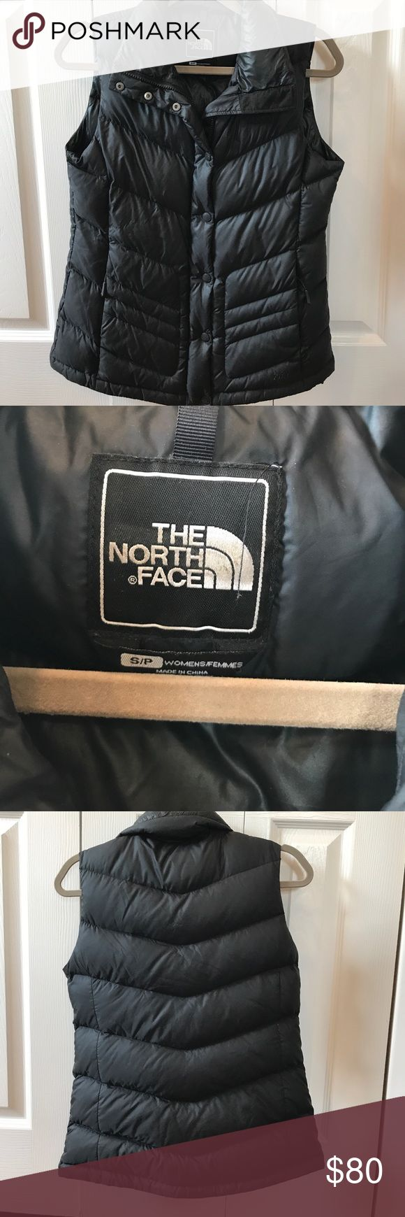 Women's north face vest! In amazing condition! The North Face Jackets & Coats Vests