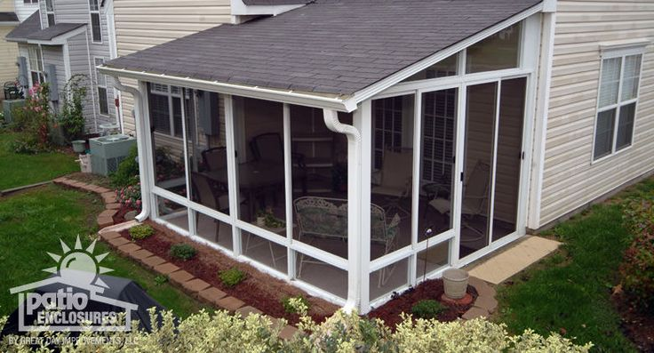 White Aluminum Frame Screen Room with Single-Slope Roof