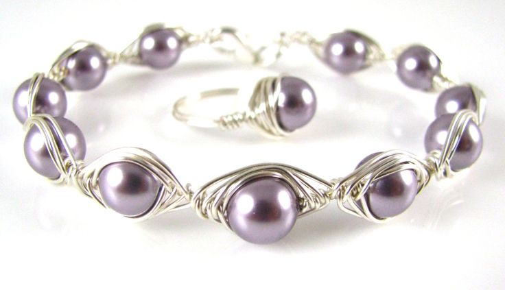 This Herringbone Weave Bracelet is much easier than it looks! Ingredients 8mm Swarovski Crystal Pearls or other beads in your choice of colour 0.6mm Silver Plated Wire Silver Plated Lobster Clasp Tools – Cutters, Chain & Round Nose Pliers, (To make the ring click here) Method Cut a 20cm piece of wire and wrap a …