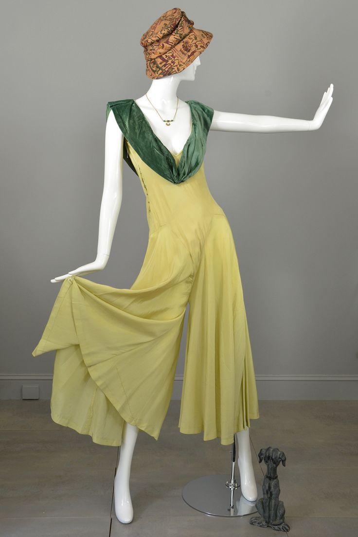 1930s Vintage Palazzo Beach Pajamas Jumpsuit with Velvet Sailor Collar from VintageVirtuosa