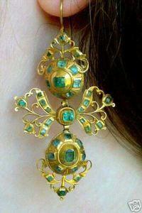 GEORGIAN EMERALD 18KT. 1790'S-1830'S EARRINGS.  Emeralds.