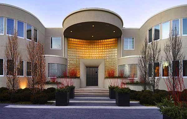 Michael Jordan is selling his 5200qm mansion on Lake Michigan (7 Pictures)