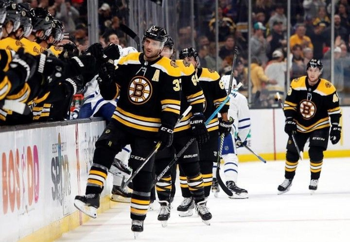 Boston Bruins Beat Toronto Maple Leafs David Pastrnak With Hat Trick Bruins Patrice Bergeron Maple Leafs