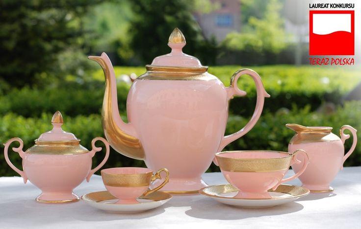 Serwis Prometeusz Pokoju wykonany z różowej porcelany   Prometheus of piece porcelain set made from pink porcelain
