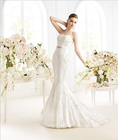 Beautiful High quality UK wedding apparel with fast shipping and excellent service makes your wedding perfect and impressive