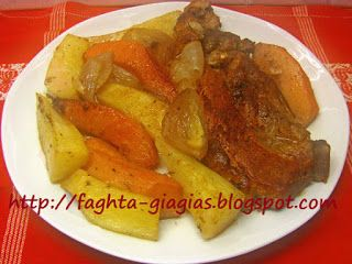 Χοιρινό με κυδώνια και πατάτες στο φούρνο
