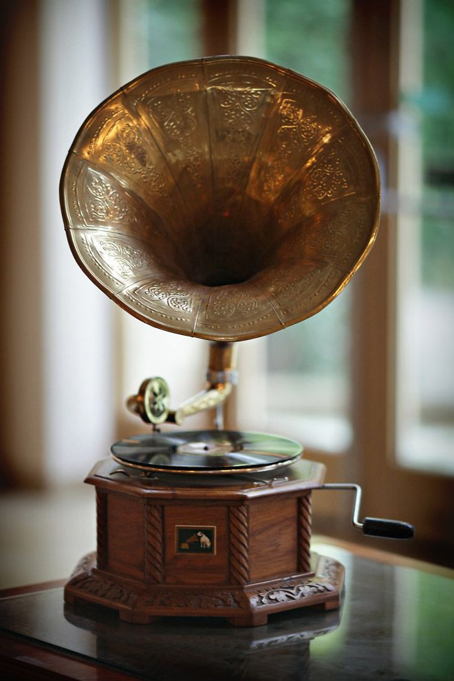 Gramophone wedding decoration 1920s Gatsby #Wedding Theme