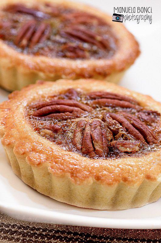 Pecan Pie #PecanPie, Ricetta americana con sciroppo d'acero e noci #pecan, food photography.