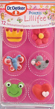Prinsessan Lillifee Dekorationsfigurer Prinsessan Lillifee är en förtrollad fé och sagoprinsessa som älskar att baka. Med hjälp av hennes rosa prinsessfigurer så förvandlas muffins,  kakor och tårtor till sagolika bakverk. Låt Prinsessan Lillifee förtrolla tillvaron!