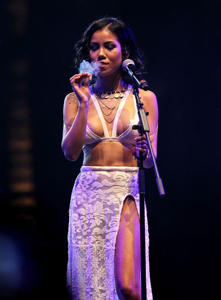 fuckyeahjhene:  Jhené Aiko at Coachella: Weekend 2
