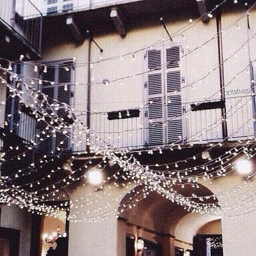 mini lights, galore. my dream.