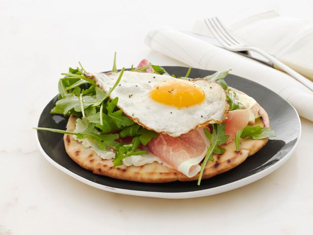 Crispy Breakfast Pita. Saw Giada make this on the Today Show this morning and want to try it so badly.