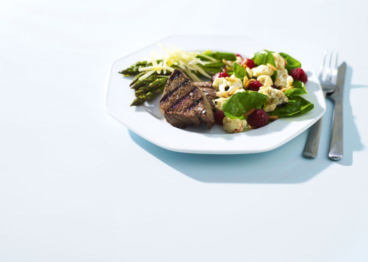En grillad köttbit smakar fantastiskt gott. Samtidigt är den perfekt för dig som vill bygga större muskler. Kombinerar man kött med grönsaker stärker maträtten även immunförsvaret.