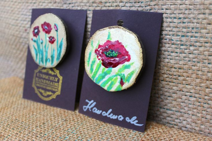 Painted wood brooch ♥️ Poppies 🌸