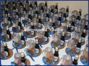 Souvenir Para Cumpleaños De Adultos Con Botellitas Personalizadas   Modelos 2017   Imagen Souvenir Para Cumpleaños De Adultos Con Botellitas Personalizadas 3 300x225