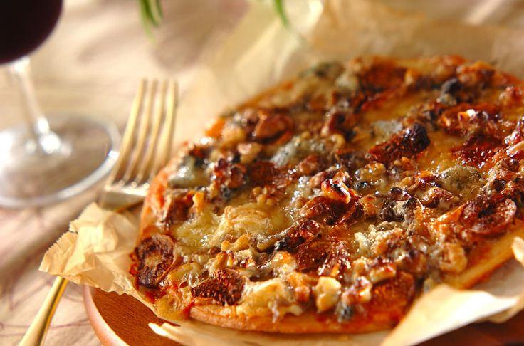チーズ好きの方に、是非作ってほしいピザ。ワインのお供にどうぞ。ゴルゴンゾーラとハニーのピザ[洋食/ピザ・サンドイッチ]2015.05.27公開のレシピです。