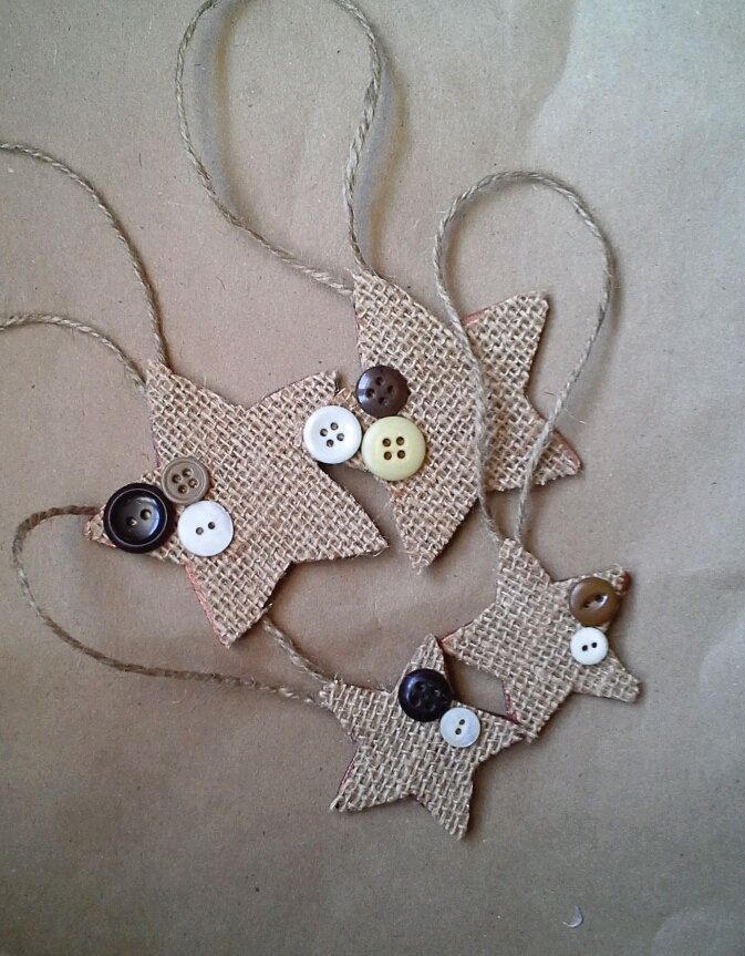 Set of 4 - Wooden Burlap Vintage Button Stars -Christmas Ornament/Gift Tag Accessory-Rustic/Country/Folk. $6.00, via Etsy.