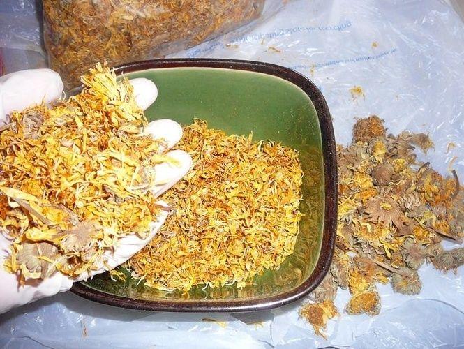 Календула/Органические Формулы от iHerb|Айхерб http://iherb-eco.ru/articles/151537 Чай из календулы - природный лекарь, его применяют при раздражительности, истерии, неврастении и других заболеваниях нервной системы. Действует на организм как успокаивающее и бактерицидное средство, повышающее иммунитет и выносливость организма не только в зимний период.