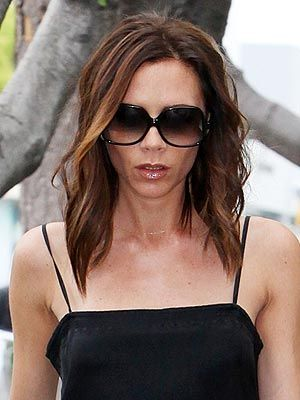 Love this new long, layered bob on Victoria Beckham (and so does she - even tweeting a pic of her cut hair on the floor!)