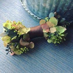 flower bowtie    -green brown-